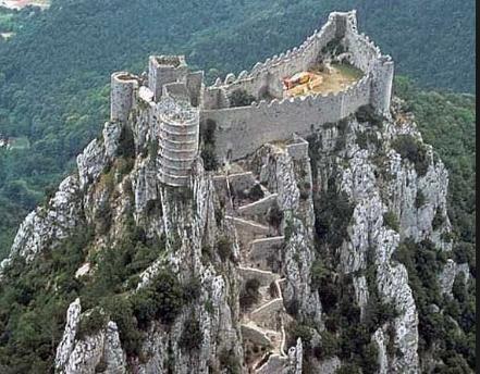 i ruderi del castello di Montsegur