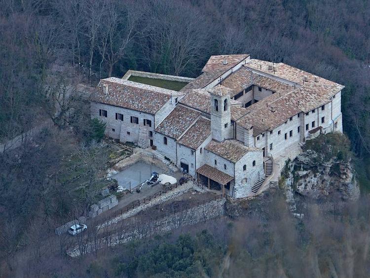 il convento restaurato e di nuovo aperto