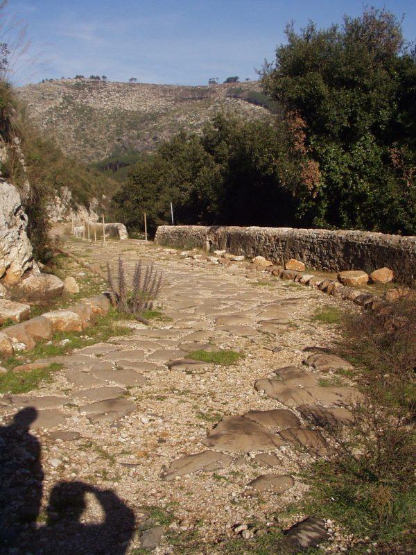 l'Appia e le nostre ombre